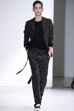 Yang Li Ready To Wear Spring Summer 2014 Paris