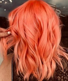Bright peach pink or Scarlet pink or strawberry pink hair color idea for wavy sh.-- Bright peach pink or Scarlet pink or strawberry pink hair color idea for wavy short hair. Just don& know the right name :) Bright Hair Colors, Hair Color Pink, Color Red, Pastel Orange Hair, Pink Peach Hair, Orange Pink, Teal Hair, Weird Hair Colors, Bright Coloured Hair