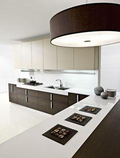 black-and-white-lavish-modern-italian-kitchen-cabinet-for-2013-design-ideas