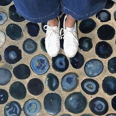 Agate floors? Yesss please. 📷 by @minnielanecorwin 💙