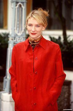 Cate Blanchett in 1998 Cate Blanchett Young, Aacta Awards, Madam President, Sandra Bullock, Hot Blondes, Celebs, Celebrities, Hollywood Stars, Celebrity Crush