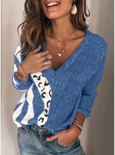 Blue Sweaters, Pullover Sweaters, Sweaters For Women, Pull Bleu, Pullover Mode, Matching Sweaters, Winter Stil, Couture, Sweater Fashion