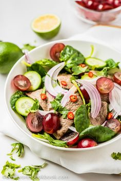 Thai beef salad recipe - A paleo salad that is great tasting, beautifully colored, balanced in nutrition, and low in calories. Lamb Recipes, Cookbook Recipes, Duck Recipes, Asian Dinner Recipes, Asian Recipes, Best Salad Recipes, Healthy Recipes, Amazing Recipes, Thai Beef Salad