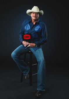 Alan Jackson Photos - CMT Impact Award winner Alan Jackson poses at the 2014 CMT Music Awards - Wonderwall Portrait Studio at Bridgestone Arena on June 2014 in Nashville, Tennessee. Famous Country Singers, American Country Music Awards, Country Music Videos, Country Music Artists, Country Music Stars, Country Songs, Alan Jackson Music, Allan Jackson, Cmt Music Awards