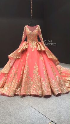 Coral and gold wedding dress - Long sleeve coral and gold vintage debut dresses. Source by viniodress - Ball Gowns Prom, Ball Dresses, Evening Dresses, Prom Dresses, Sweet 15 Dresses, Pretty Dresses, Beautiful Dresses, Quinceanera Dresses, Coral Dress Wedding