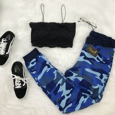 A imagem pode conter: sapatos - outfit ideas - Cute Lazy Outfits, Cute Swag Outfits, Teenage Outfits, Sporty Outfits, Mode Outfits, Retro Outfits, Outfits For Teens, Stylish Outfits, Girls Fashion Clothes