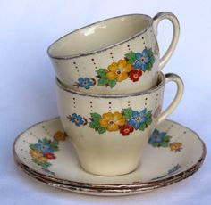 Alfred Meakin vintage teaset duos set of two with a definite 1930s shabby chic appeal delightful vintage teaware