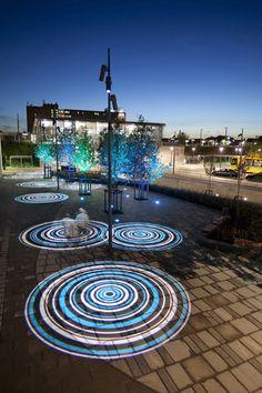 Espacios creados con luz. Focalización. Patterned station light projection Station, Copenhagen.