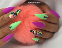 Presto Color Gel Green Pastel and Colorful Geo Accent Nail