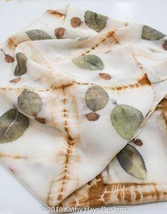 Textile Fiber Art, Textile Artists, Natural Dye Fabric, Natural Dyeing, Fabric Painting, Fabric Art, Textiles, Fabric Dyeing Techniques, Diy Tie Dye Shirts
