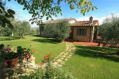 Villa in beautiful surroundings in #Tuscany for an amazing #holiday in #Italy