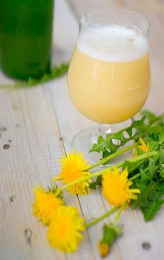 Healthy Juice Drinks, Healthy Juices, Fruit Recipes, Healthy Recipes, Wine Cheese, Irish Cream, Wine And Beer, Glass Of Milk, Dandelion