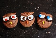 Skulls, owls, mummies and brains; cupcakes and Halloween - a few of my favorite things! I've included the best cupcake recipe* and buttercream recipe** out there to help you whip up these fun Halloween cupcakes in no time. Here are some great tips and tricks to make spooky skulls, eerie owls, macabre mummies and braaaaaaiiiiiiinnnnnnsssss that will appeal to zombies big and small! These diabolically sweet snacks are sure to please all the ghouls and goblins in yo...