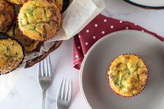 Savoury Bacon and Avocado Muffin Coconut Flour, Almond Flour, Baking Powder Recipe, How To Ripen Avocados, Asian Food Channel, Bacon And Butter, Breakfast Snacks, Muffin Cups