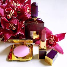 I can stare at this whole day...😍 Tom Ford Velvet Orchid collection in its full glory💜  #VelvetOrchid EDP 50ml (S$178) - a warm sweet… Makeup Tips, Beauty Makeup, Makeup Hacks, Tom Ford Perfume, Brown Eyed Girls, Best Perfume, Luxury Beauty, Coco Chanel, Girly Things