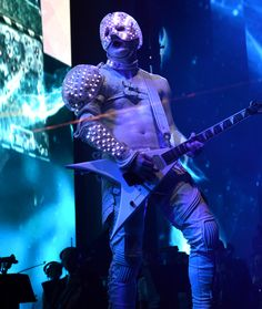 Wes Borland on stage at the Riot Games 2013 World Championship. Costume built by Alliance Studio. I built and programmed a custom lighting controller (based on the Parallax Propeller QuickStart PCB) for 300 RGB LEDs. This costume can be seen on the Limp Bizkit 2013-2014 tour.