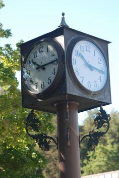 Mill Valley, California, Clock in Lytton Square