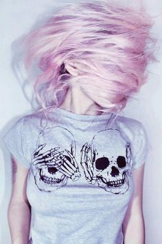 Awesome skull shirt. Pretty pastel hair. Love it.