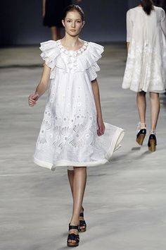 Chloé Spring 2006 Ready-to-Wear Fashion Show - Solange Wilvert