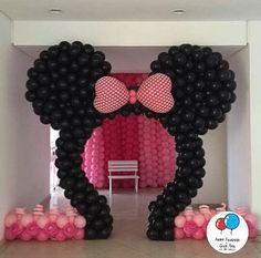 Minnie Mouse Birthday Decorations, Mickey Mouse Clubhouse Birthday Party, Mickey Birthday, Minnie Mouse Party, Baby Birthday, Birthday Parties, Mickey E Minie, Balloon Decorations, Ballon Arch
