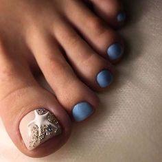 Make an original manicure for Valentine's Day - My Nails Manicure, Pedicure Nail Art, Toe Nail Art, French Pedicure, Pretty Toe Nails, Cute Toe Nails, Pretty Toes, Beach Toe Nails, Pretty Pedicures
