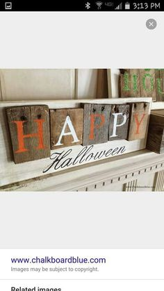 loved that they used the ends with nails still in :) Pallet- Style Halloween sign. use similar idea w inter changeable words for holiday's using nails and drill holes in wood Palette Halloween, Fete Halloween, Holidays Halloween, Halloween Crafts, Holiday Crafts, Holiday Fun, Halloween Decorations, Halloween Pallet Signs, Halloween Halloween