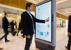 A new interactive digital out-of-home (DOOH) advertising campaign for Google Play, their newly launched entertainment portal for Android mobile devices, is raising awareness and driving online traffic.