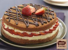 Pastel de fresas y chocolate blanco