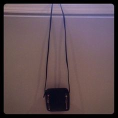 "Nine West leather cross body Only use once in great condition black leather, width is 6"" by 61/2 long and the strap is 221/2 long :-) Nine West Bags Crossbody Bags"