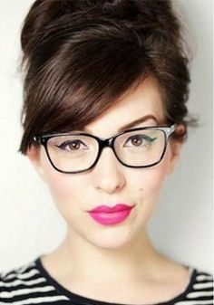 10 Ways to Look Gorgeous in Glasses!