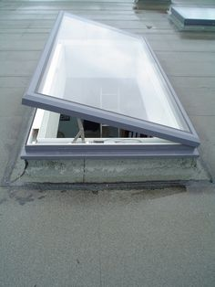 Ventilation rooflight, opens using twin synched hidden internal mechanisms. House Extension Design, House Front Design, Roof Design, Victorian Bath House, Flat Roof Skylights, Casa Petra, Skylight Design, Roof Lantern, Roof Window