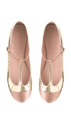 Blush + Gold Flats - this reminds me of The Great Gatsby!! I want!