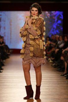 Rochie tricotata manual