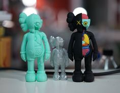 Did someone say #kaws Did this for a client . . . #3dprinting #3dprinter  #3dprint #3dprinted #cokreeate #3dscan #3dscanner #artec #selfie #3dminime #minime #gift #awesome #3dscanned #zbrush #3dmodel #3d #3dmodels #LosAngeles #alhambra #la#collectable #toy by cokreeate