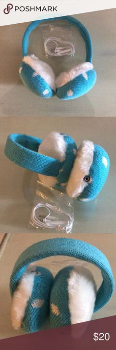 Ear muffler / ear phone Light blue ear muff comes with cable for ear phone , can be work perfect for your cell enjoy your music in the winter. Box were missing, doesn't come with the box. Accessories Hats