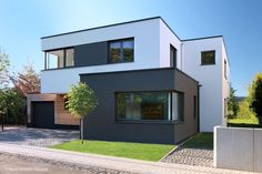 home fachadas CUBE Magazin Frankfurt Architectural Section, Architectural Design House Plans, Architecture Details, House Design, House Styles, Modern Family House, Contemporary Houses, London Pubs, Shopping Travel