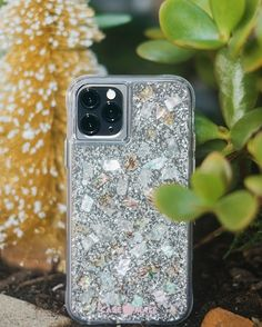 Protect your new iPhone with Case-Mate's fashion-forward premium cases. Discover our new iPhone 2019 cases collection here and choose your favorite. New Iphone, Iphone Cases, Neon Purple, White Iphone, Spray Painting, Glass Screen Protector, Phones, Apple, Ideas