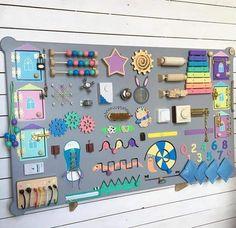 Massive busy board for little ones Diy Sensory Board, Sensory Wall, Sensory Toys, Infant Activities, Activities For Kids, Busy Board Baby, Toddler Busy Board, Toddler Activity Board, Busy Boards For Toddlers