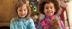Bientôt Noël! Notre dossier de Noël Comment créer la magie de Noël avec votre enfant? L'important n'est pas tant les cadeaux, mais tout ce qui entoure la fête comme les préparatifs, le temps passé ensemble et les réunions de famille.