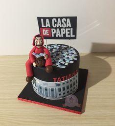 Cake la casa de papel Cake the paper house. Cake the paper house 13th Birthday Cake For Girls, Twin Birthday Cakes, Pizza Food Truck, Bts Cake, Cake For Boyfriend, Movie Cakes, Quick Easy Vegan, House Cake, Le Chef