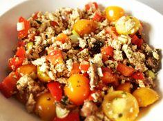 Roerei maar dan zonder ei! Het klinkt een beetje gek, maar na het maken van dit gerecht zal je begrijpen wat ik bedoel. Dit recept is de perfecte vervanger voor een roerei.Een tijdje terug besloot ik om 21 dagen veganistisch te eten. Het leek me een mooie uitdaging, ik eet al enkele jaren geen vlees …