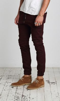 Sureshot chino pant in Opaque macaroon. Love this collection by ZANEROBE!