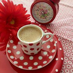 -è l'ora per un buon caffè -