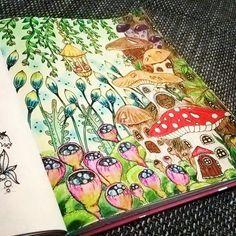 Osada pro skřítky, nádherné české omalovánky od @klaramarkovajewels #CarovneLahodnosti #MagicalDelights #coloringbookforadults #czech #coloring #pencils #kohinoor #mondeluz #gnomes #dwarfs #mushrooms #leafs #red #green #blue #yellow #violet #nostress #fairytale #LucieVybarvuje