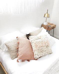 Taking the word cat nap seriously @casajoshuatree #homestorydecor