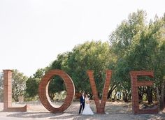 LOVE Sign #AMOR #PerfectPhotoStationary #PerfectoParaSacarFotosConLosInvitados #Cartel