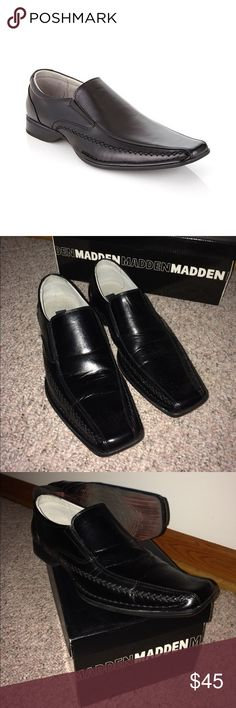 Steve Madden dress shoes PRODUCT DETAILS Leather upper Easy slip-on wear.  Polished man-made upper with exposed stitch detail. Double elastic gore for secure, comfortable fit Rubber outsole Steve Madden Shoes Loafers & Slip-Ons