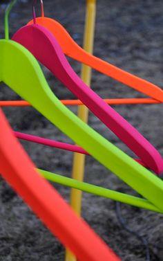 Neon klerenhangers