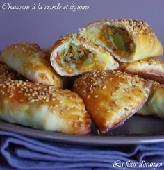Arabic Recipes 86994 I offer you this time a well-balanced recipe, containing vegetable meat all wrapped in dough. You could say that it is a version of salted turnovers but without puff pastry that I replaced by a dough made with . Tapas, Cooking Time, Cooking Recipes, Healthy Recipes, Tunisian Food, Ramadan Recipes, Arabic Food, Snacks, Food Inspiration