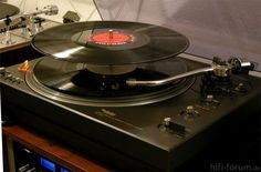 Must be one of the very latest autochanger; Technics SL1350